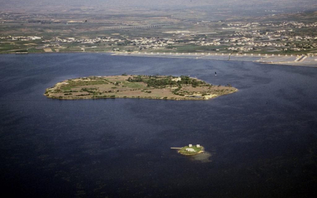 Piccola isola museo nello stagnone di Marsala, Mozia rappresenta un sito produttivo di assoluta unicità