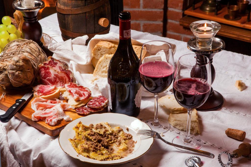 La Bonarda e i prodotti tipici. Foto © Cristian Castelnuovo